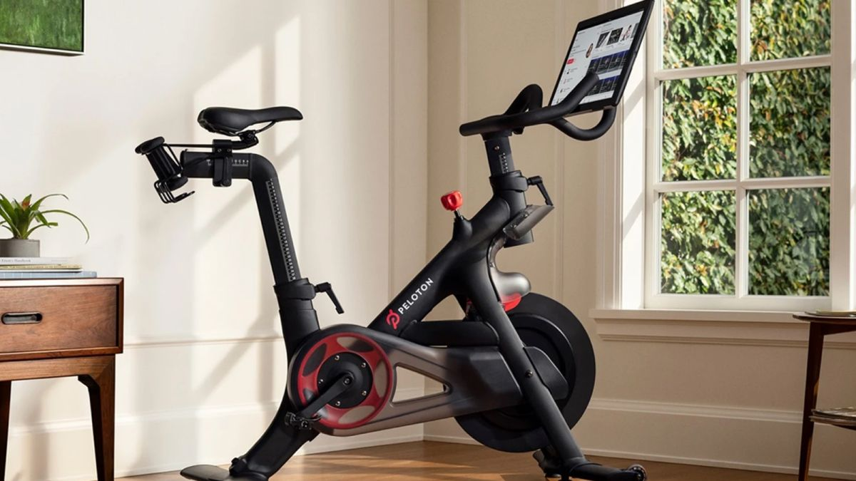 Company Peloton stocks drop after news of a user dying
