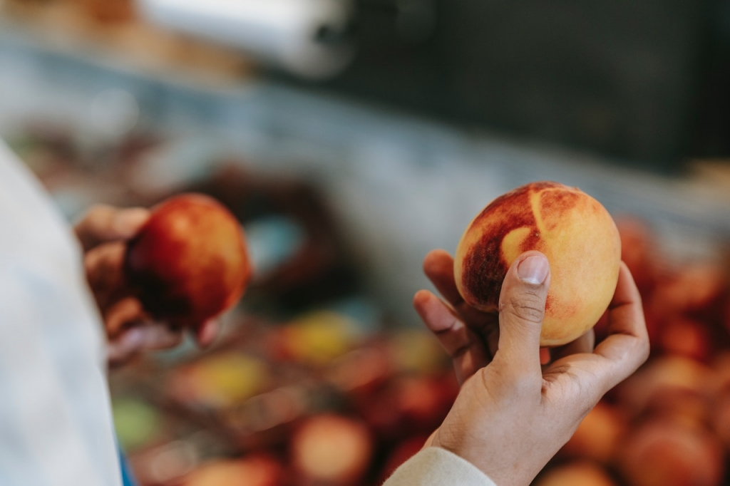 Picking peaches is like picking a broker