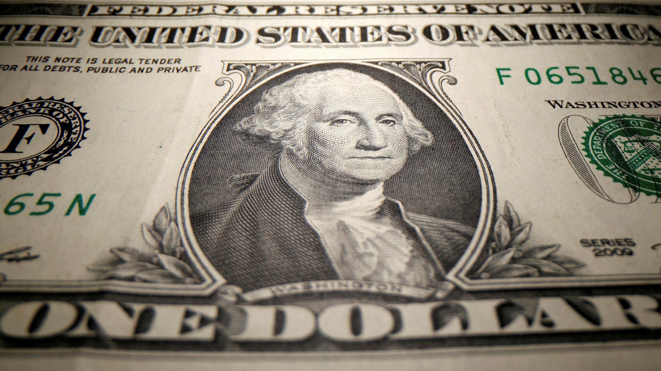 One dollar bill, the us dollar strenthens despite debates about debt